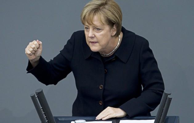 Spiegel: Από το 2002 παρακολουθούσαν το τηλέφωνο της Μέρκελ