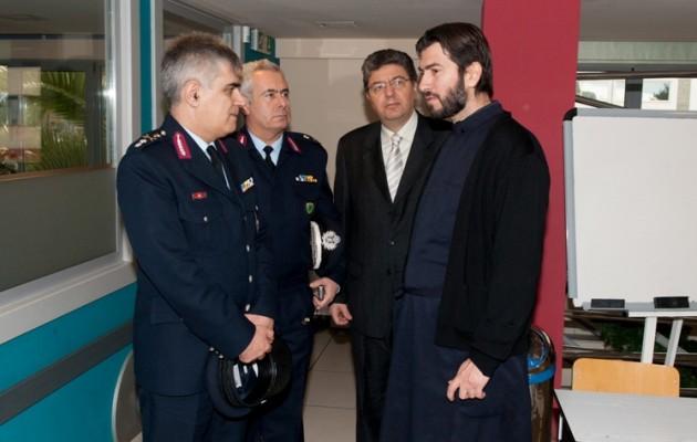 Τρόφιμα στην «Κιβωτό του Κόσμου» από την Ελληνική Αστυνομία
