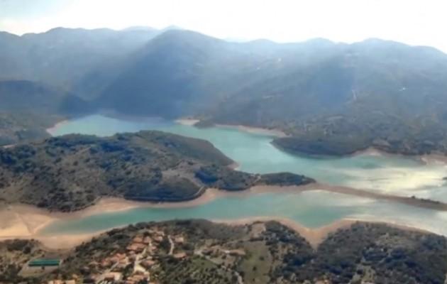 Ένα εκπληκτικό βίντεο που δείχνει την τεχνητή λίμνη του Λάδωνα από ψηλά