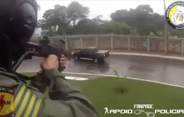 Δεν είναι ταινία! Αστυνομικοί πυροβολούν από ελικόπτερο μαφιόζο στη Βραζιλία