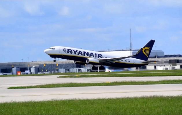 Οι Γερμανοί πιλότοι της Ryanair ετοιμάζουν απεργία ζητώντας συλλογικές συμβάσεις