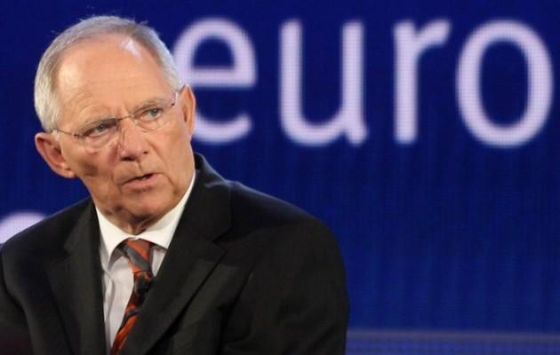 Spiegel: Ο Σόιμπλε σχεδιάζει τρίτο πακέτο βοήθειας για την Ελλάδα