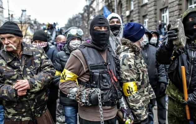 """Ποια είναι τα ουκρανικά SS που έφεραν τη… """"δημοκρατία"""" στην Ουκρανία"""