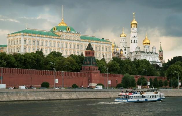Το Κρεμλίνο «περιορίζει» τους Ρώσους επιστήμονες για να μην τους… «αρπάξουν» οι ξένοι
