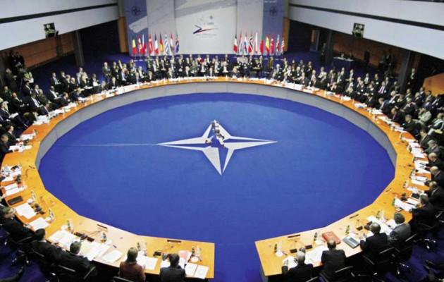 Συνεδριάζει το ΝΑΤΟ την Κυριακή το απόγευμα για την Ουκρανία