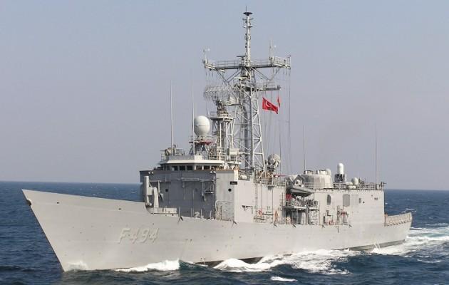 Στα 3,8 ναυτικά μίλια από το γεωτρύπανο West Capella πλησίασε η τουρκική φρεγάτα Gökçeada (βίντεο)