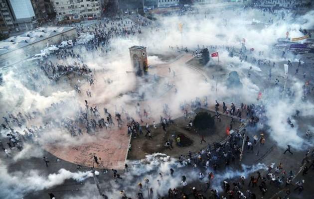 Η Τουρκία φλέγεται – Λαϊκή εξέγερση των Τούρκων κατά του Ερντογάν