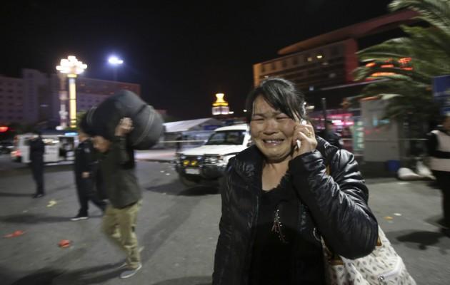 ΠΡΟΣΟΧΗ ΕΙΚΟΝΕΣ ΣΟΚ: Τρομοκράτες σκότωσαν με μαχαίρια 27 και τραυμάτισαν 109 ανθρώπους στην Κίνα