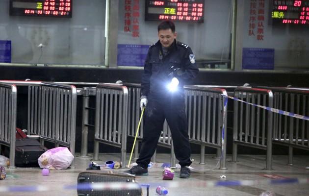 ΠΡΟΣΟΧΗ ΣΚΛΗΡΕΣ ΕΙΚΟΝΕΣ: Βίντεο από την τρομοκρατική επίθεση στην Κίνα