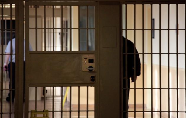 Κέρκυρα: Συντόνιζε 2 κυκλώματα ναρκωτικών από το… κελί