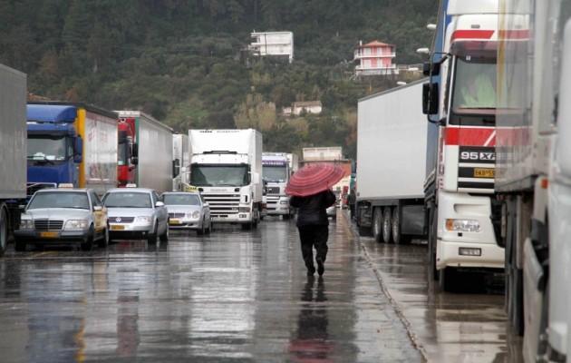 Σε απεργία διαρκείας οι αυτοκινητιστές