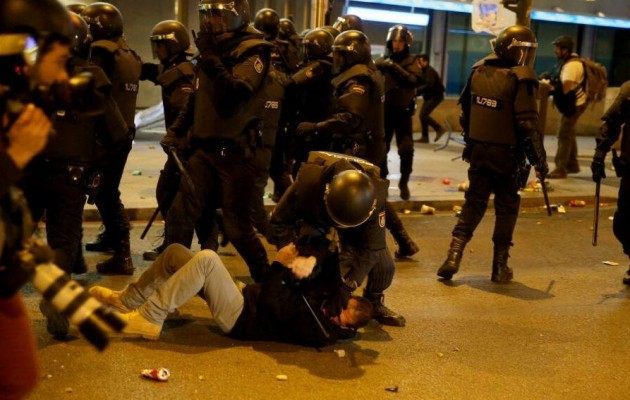 Φωτορεπορτάζ: Ξεσηκώθηκε η Ισπανία κατά της λιτότητας – 89 τραυματίες και 29 συλλήψεις