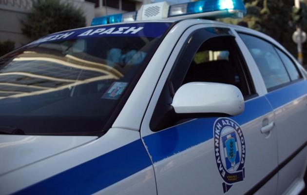 """Κρήτη: """"Μασκαράς"""" με καλάσνικοφ… λήστεψε Τράπεζα"""