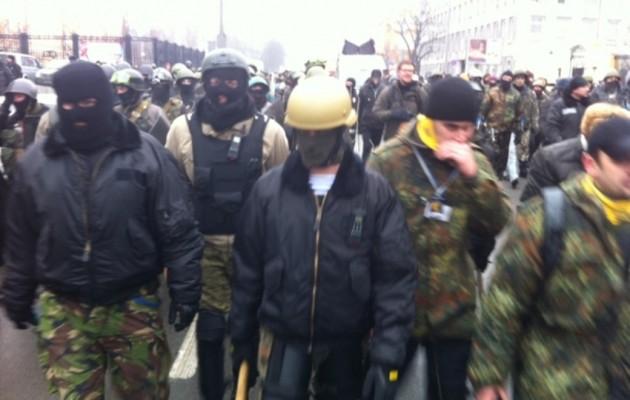 """Μόσχα προς ΗΠΑ: """"Είστε σύμμαχοι με πραγματικούς ναζί!"""""""