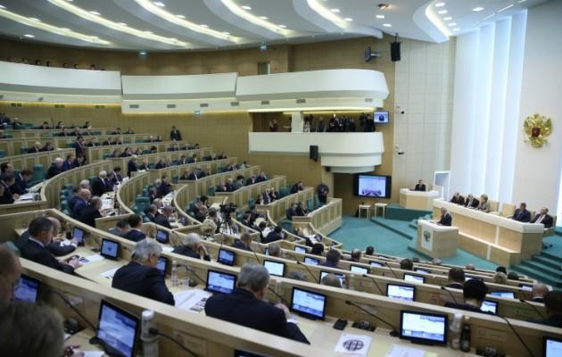 Η Άνω Βουλή της Ρωσίας ζητά να ανακληθεί ο Πρέσβης από την Ουάσιγκτον