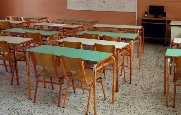 """Μαθητής κινδυνεύει με απέλαση – Έκκληση της ΕΛΜΕ: """"Να ολοκληρώσει πρώτα τη χρονιά"""""""