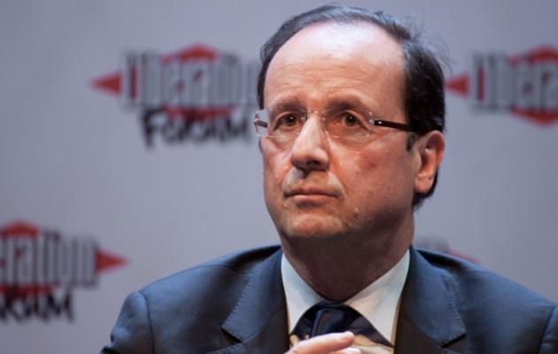 """Τρομοκρατημένος ο Φρανσουά Ολάντ τώρα υπόσχεται ότι θα """"πιέσει"""" για μια άλλη Ευρώπη!"""