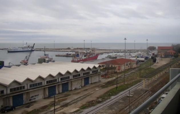Επιχείρηση απεγκλωβισμού δύο ανηλίκων στο λιμάνι της Αλεξανδρούπολης