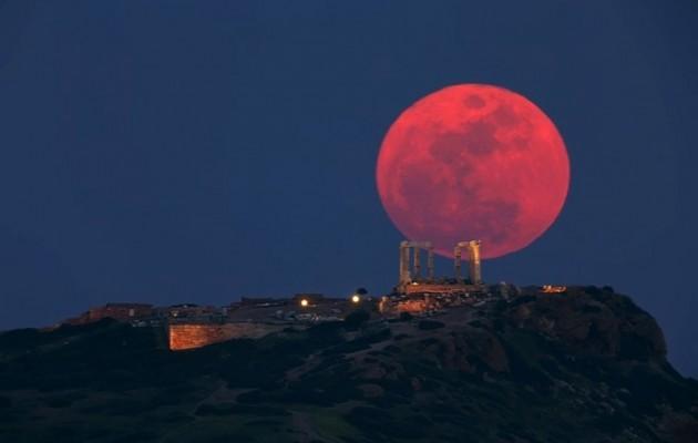 Ματωμένο φεγγάρι: Τι είναι και τι προμηνύει για τους ανθρώπους