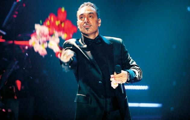 Τι έγινε στη συναυλία Σφακιανάκη – Πώς τον «στόλισαν» τηλεοπτικά πάνελ στην Αλβανία (βίντεο)
