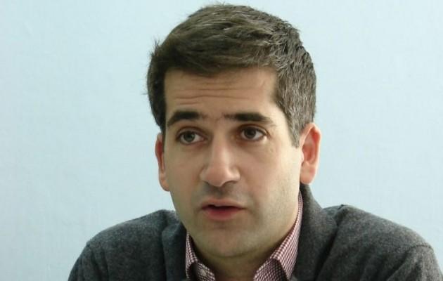 Ο Κώστας Μπακογιάννης δεν αποσαφήνισε εάν είναι με τη γραμμή της μαμάς του στο «Σκοπιανό»
