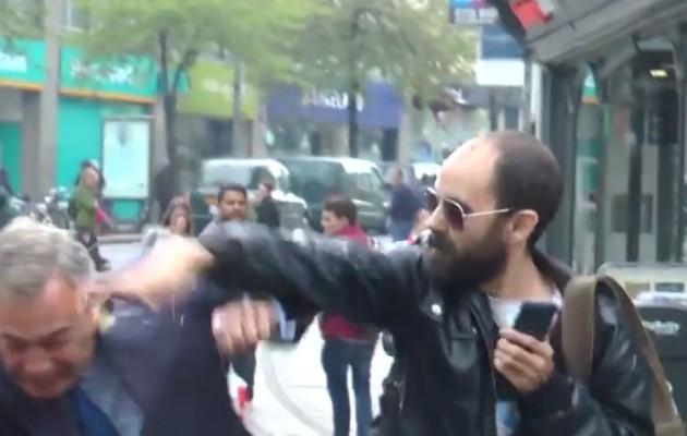 Έριξαν αβγά στον Νάιτζελ Φάρατζ (βίντεο)
