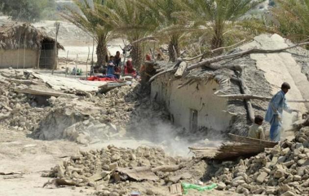 100 τραυματίες και 2 νεκροί μέχρι στιγμής από σεισμό στο Πακιστάν (βίντεο)