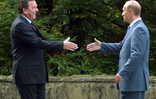 Σρέντερ: Ο Πούτιν δεν είναι ανεπιθύμητο πρόσωπο