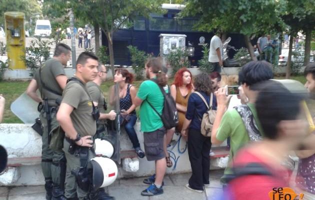 Χριστιανοί εναντίον αλληλέγγυων στο Gay Pride στη Θεσσαλονίκη