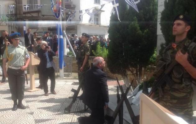 Ο Τέρενς Κουίκ στις εκδηλώσεις μνήμης για τους πεσόντες Έλληνες μουσουλμάνους στον Β Παγκόσμιο Πόλεμο