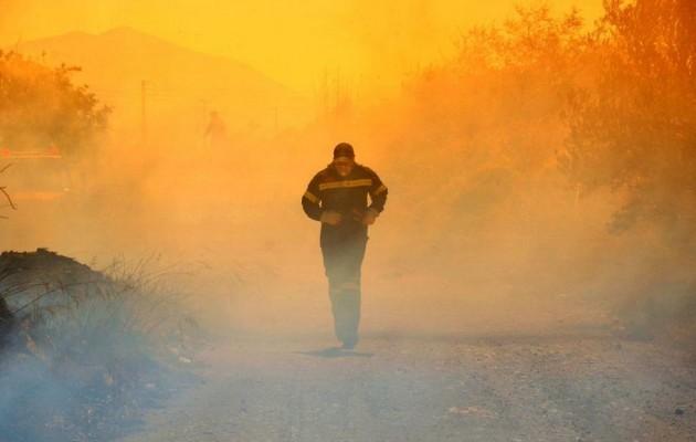 Κρήτη: Στις φλόγες έχει παραδοθεί το Αντισκάρι