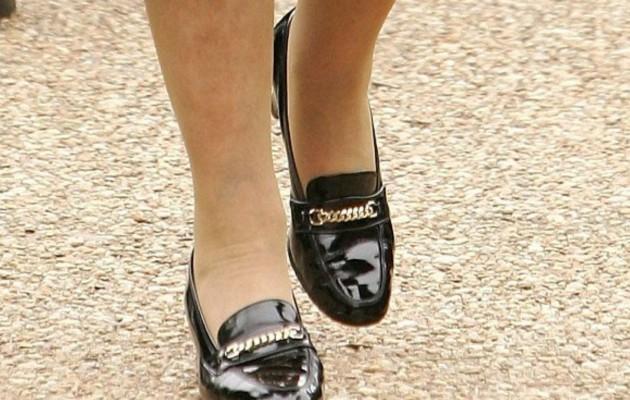 Είναι Βασίλισσα και φοράει τα ίδια παπούτσια τα τελευταία… 50 χρόνια