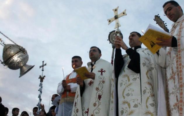 Στο έλεος των Τζιχαντιστών χιλιάδες Χριστιανοί της Μοσούλης: Αν δεν ασπαστείτε το Ισλάμ θα σας εκτελέσουμε