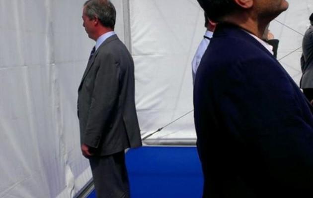 Ο Φάρατζ γύρισε την πλάτη στον Ευρωπαϊκό ύμνο!