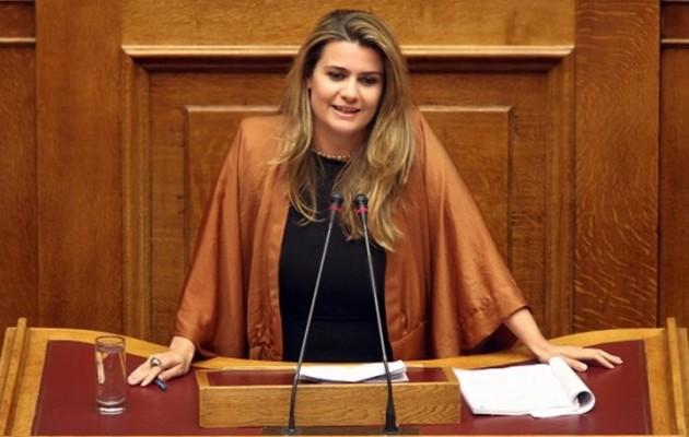 Βουλευτής της ΔΗΜΑΡ έστειλε επιστολή στον Πρόεδρο της Βουλής κατά της Μακρή και υπέρ Πιπιλή