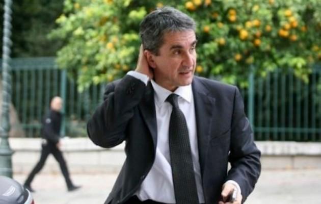 Ο Λοβέρδος ζήτησε να κατατεθεί στη Βουλή το κείμενο της συμφωνίας με τα Σκόπια