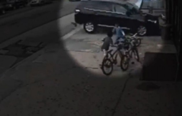 ΗΠΑ: Πάρκαρε με το τζιπ πάνω σε 12χρονο (βίντεο)