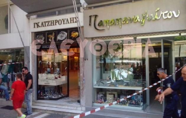 Ληστές με καλάσνικοφ σκόρπισαν τον πανικό στον Τύρναβο