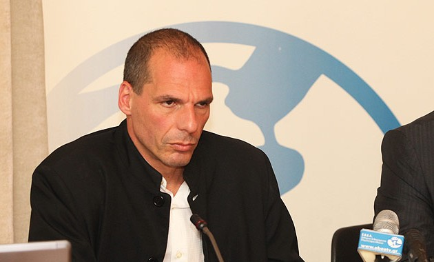 Ο Βαρουφάκης απαντά εάν η Ελλάδα μπορεί να τυπώσει χρήμα μέσω ELA
