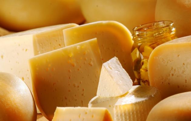 Απίστευτη κομπίνα: Έκλεψαν 8 τόνους τυριών