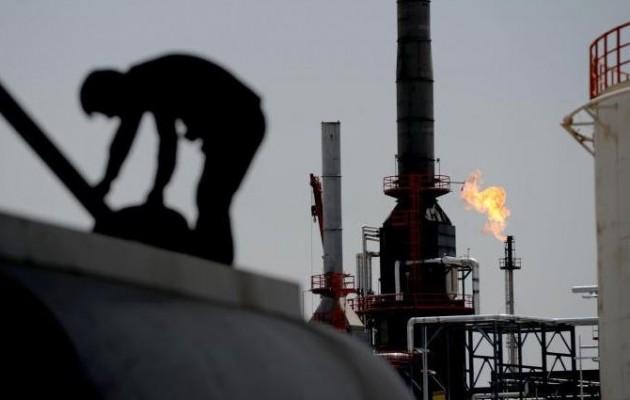 """Η """"δίψα"""" των τζιχαντιστών για πετρέλαιο οδηγεί σε οικονομική καταστροφή"""