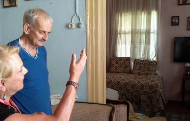 Πιπιλή: Η συγκίνηση όταν επισκέφθηκε το σπίτι της μαμάς στην Σμύρνη