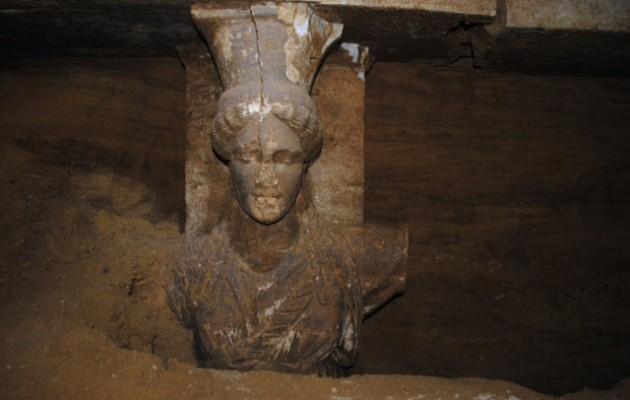 """Αμφίπολη: """"Οι Καρυάτιδες ενισχύουν την σημαντικότητα του μνημείου"""""""