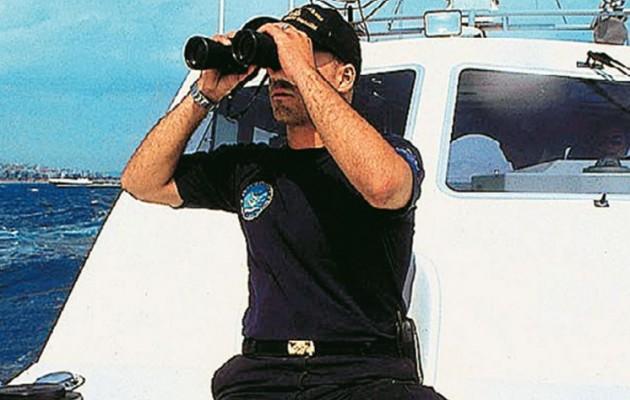 Το Λιμενικό διέσωσε 34 αλλοδαπούς ανοιχτά της Σάμου – Συνελήφθη διακινητής στην Ηγουμενίτσα