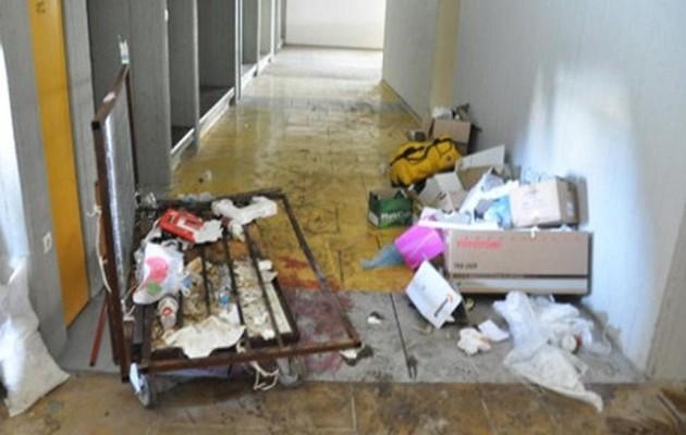 Προσωρινή λύση για τα σκουπίδια στη Φιλοσοφική Αθηνών