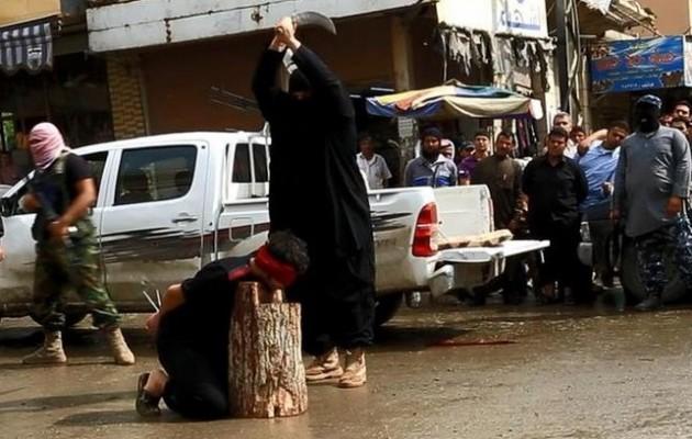 Δημόσιοι αποκεφαλισμοί από το Ισλαμικό Κράτος στη Ράκα (φωτογραφίες)