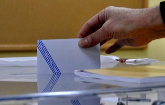 ΕΔΕΜ: Το νέο κόμμα με σήμα τον Κόκορα