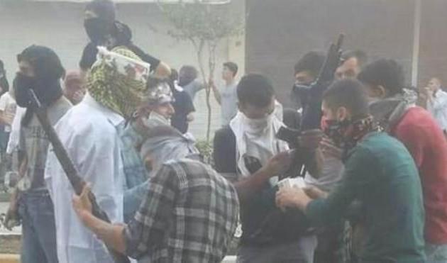 Οι Κούρδοι νεολαίοι Κομμουνιστές του YDG-H πήραν τα όπλα