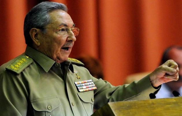 Κούβα: Ο Ραούλ Κάστρο απευθύνει έκκληση για την αντιμετώπιση του Έμπολα