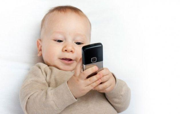 Έως το 2020 μέχρι και τα 6χρονα θα έχουν κινητό τηλέφωνο
